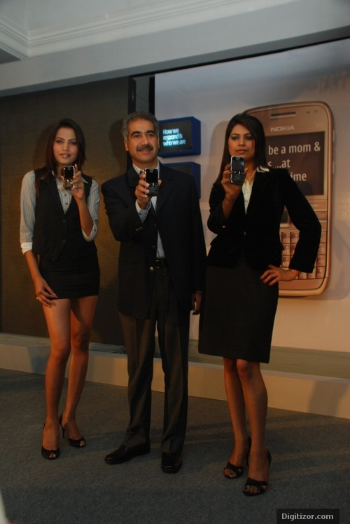 Nokia E72 launched by Vinay Taneja (Marketing Director, Nokia India)